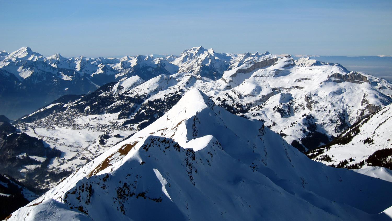 Vue sur le Pic Chaussy depuis le sommet du Châtillon