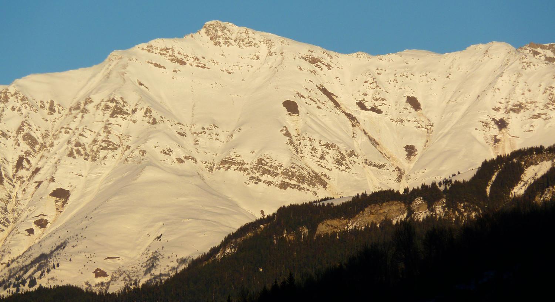 Face SW de la Pointe du Mont du Fût, et traces en face W du Mollard des Boeufs