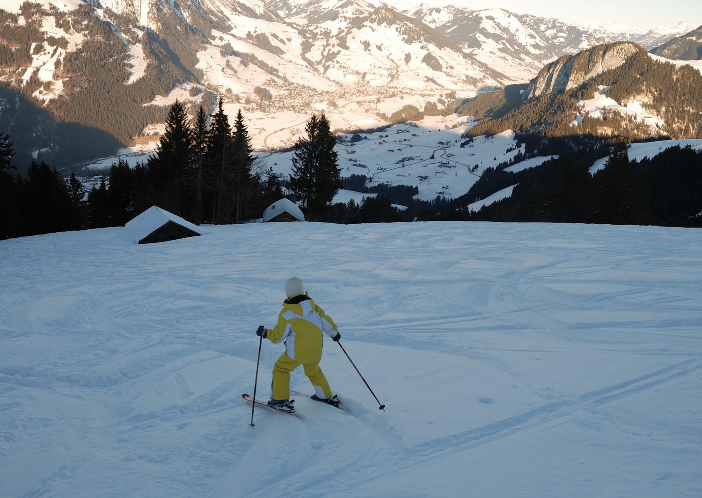 """Descente...on n'est pas les 1ers...mais finalement ça ne se skie pas si mal cette """"grosse neige"""" !"""