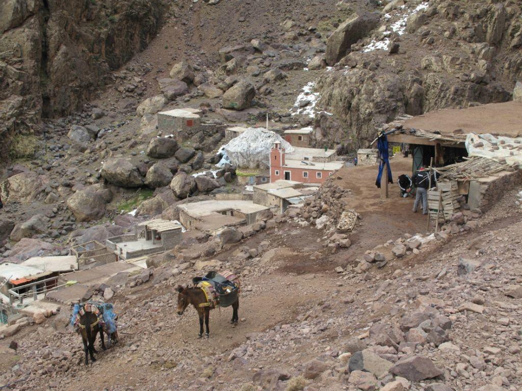 sanctuaire dédié à Sidi Chamarouch, à 2350 mètres