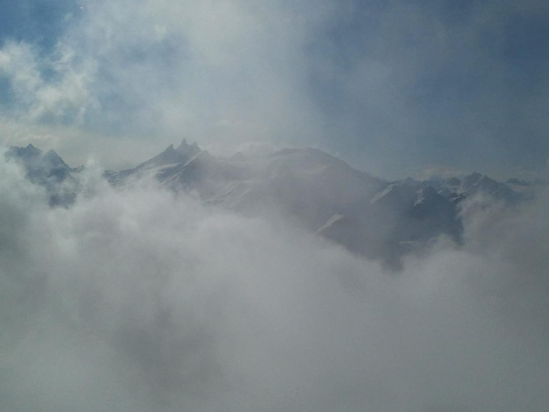 Le brouillard joue à cache-cache!!!!!!