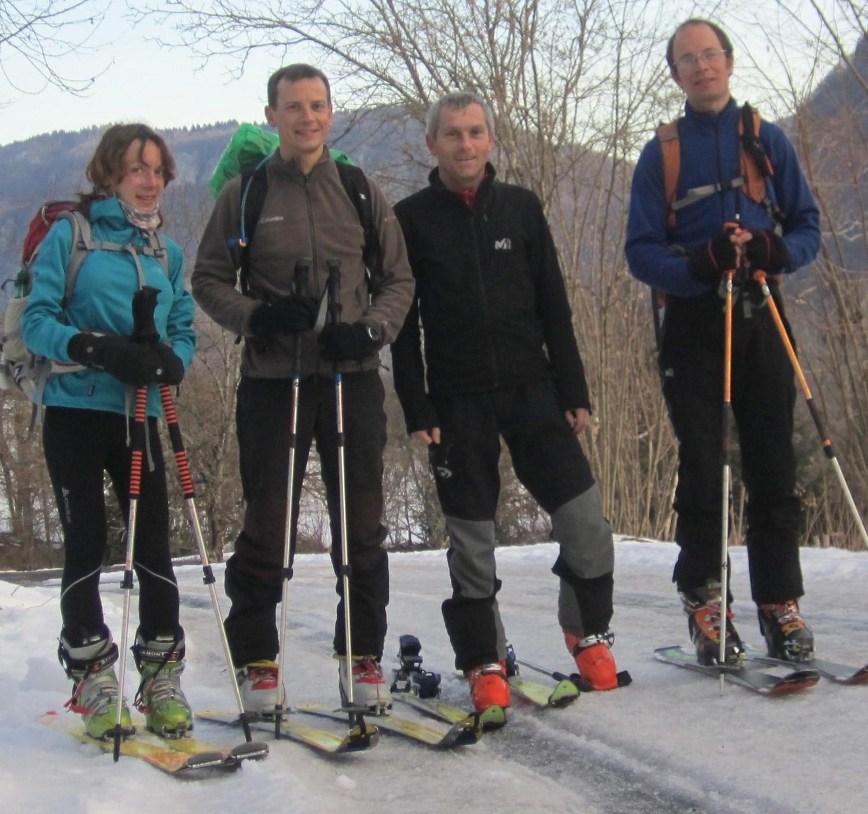 On pose les vélos et on chausse les skis