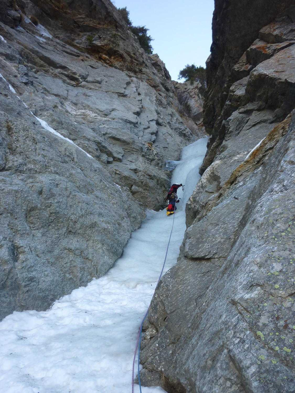 La dernière longueur de grimpe avant la bifurcation entre le pas de mixte de gauche ou de droite