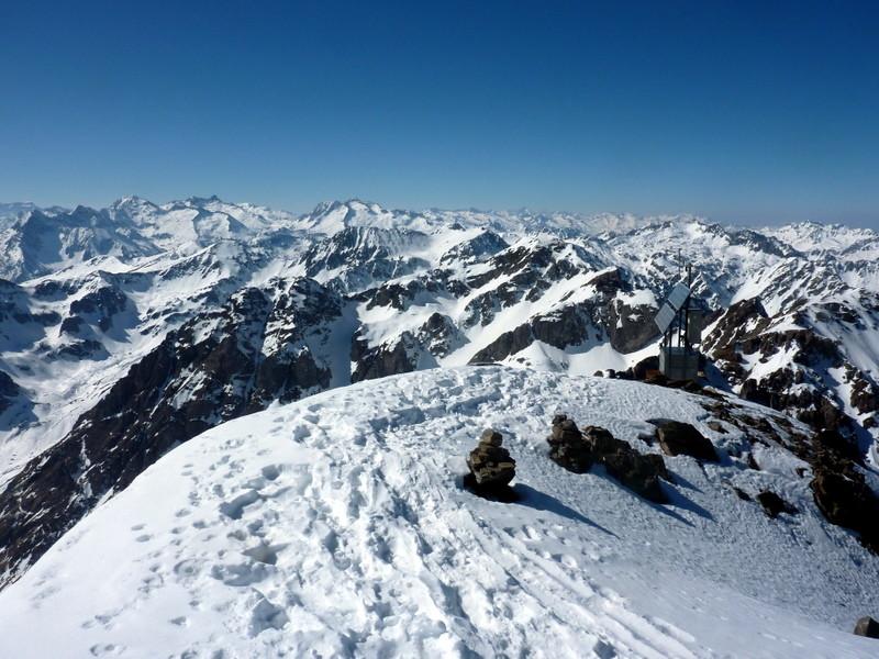 Du sommet de l'Arbizon vers le SW