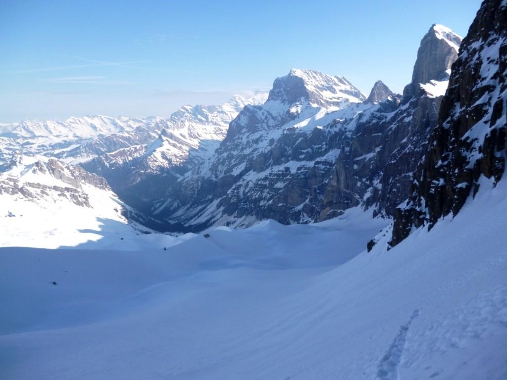 Aucune trace sur le glacier des Martinets malgré la proximité de l'itinéraire classique du col des Martinets