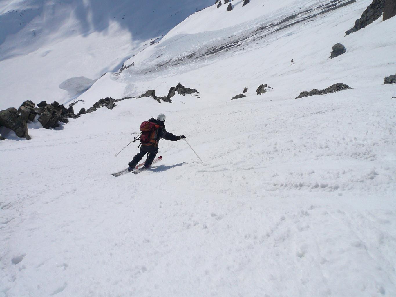 Bon ski dans une neige revenue comme il faut.