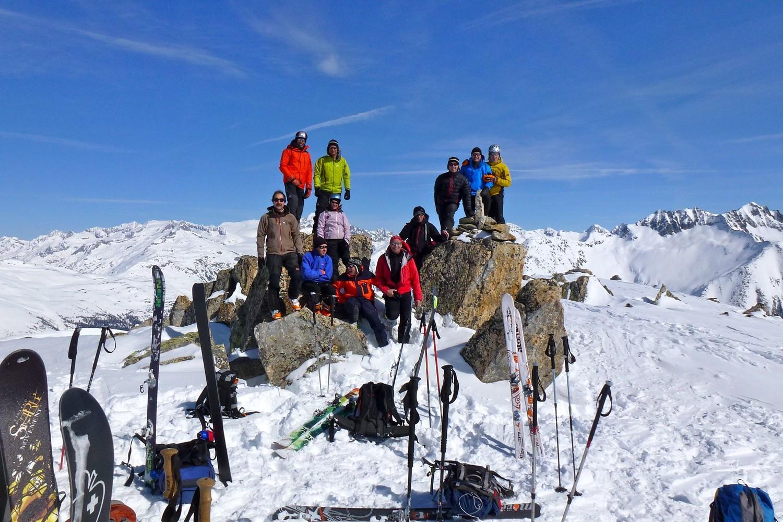 """Teltschehorn: en boucle par Chietal.Le """"Club du samedi"""" au sommet."""