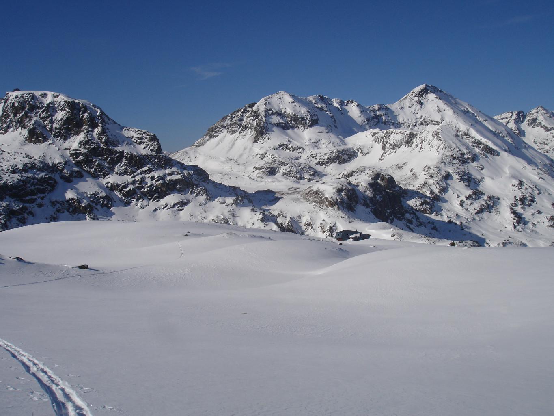 Le Ref du Rulhe a pris la neige ce n'est pas le cas du Malpas