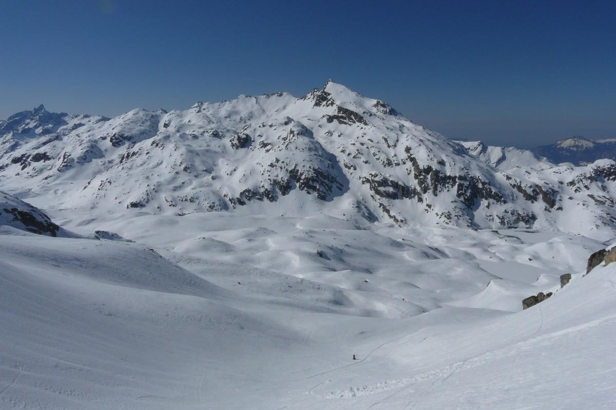 En montant au Col du Mouchillon, au dessus des lacs des Sept Laux