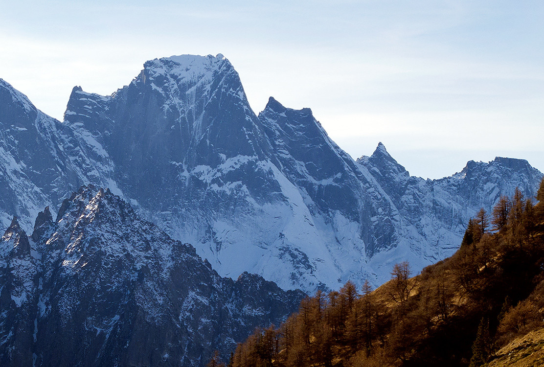 Pizzo Badile; Nord Est autunnale...