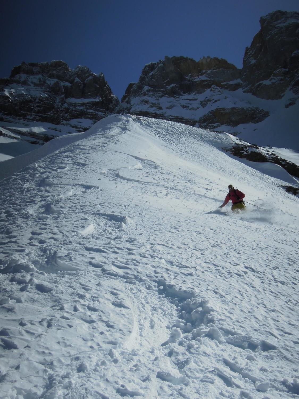 Pas du Berger . Nico dans une toute belle neige.