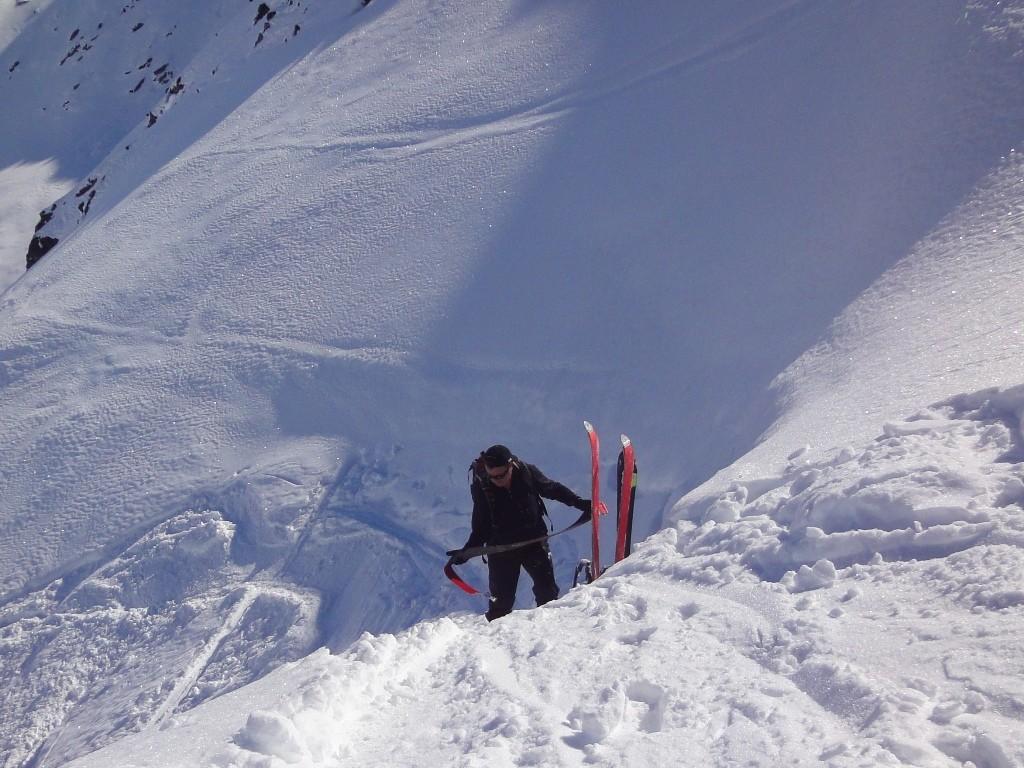 Dépôt de skis sous la Fenêtre d'Allèves