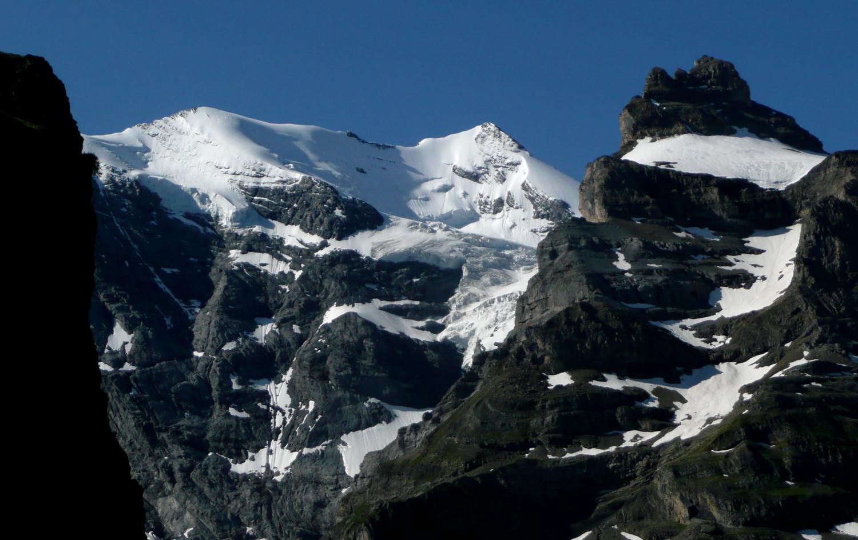 Mortgenhorn et Wyssi Frau, massif de la Blümlisalp