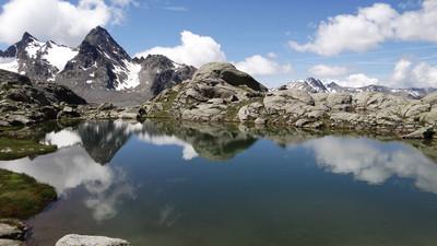 Lac dans la Roche