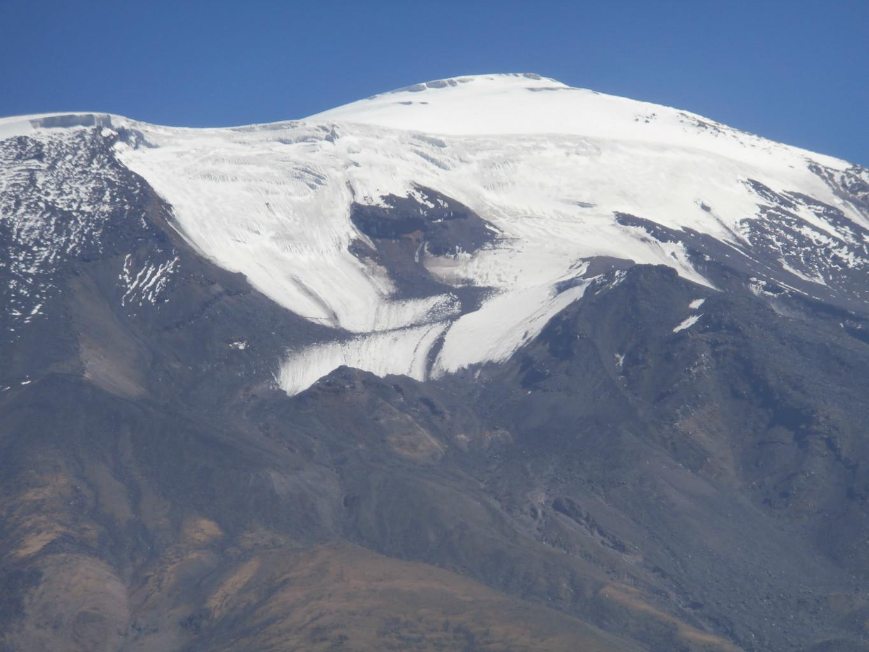 Depuis la route Dogubayazit en allant à Igdir, on a même une rencontre de glacier avec une moraine longitudinale
