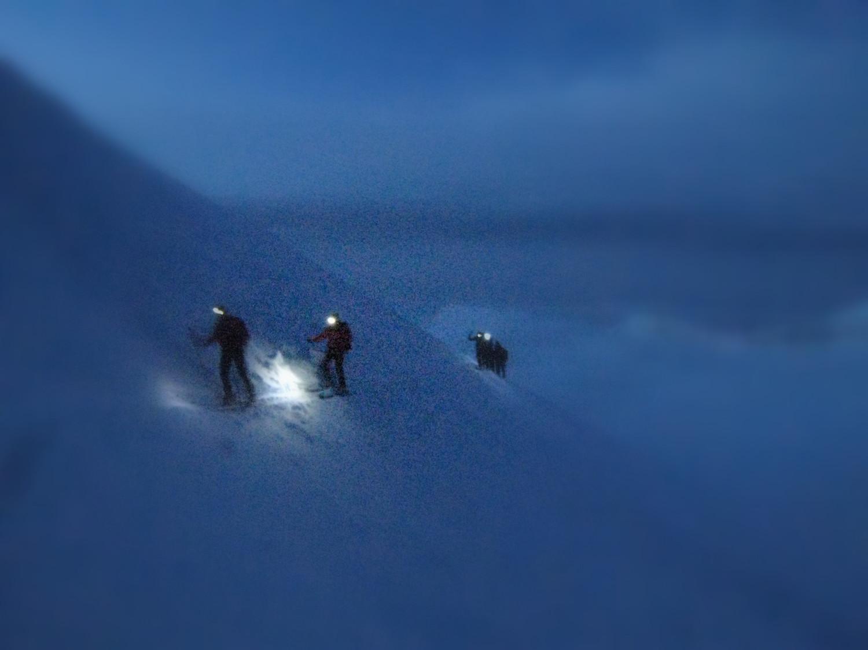 Fin de nuit vers l'arête de l'Aletschhorn
