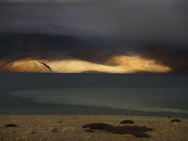 Dernier rayon de soleil sur le Tso Moriri