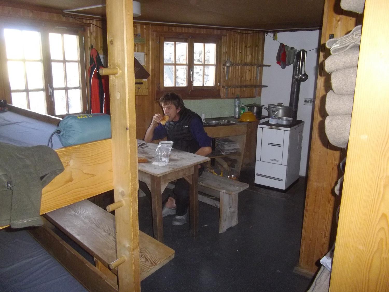 Cabane Bertol, refuge hiver