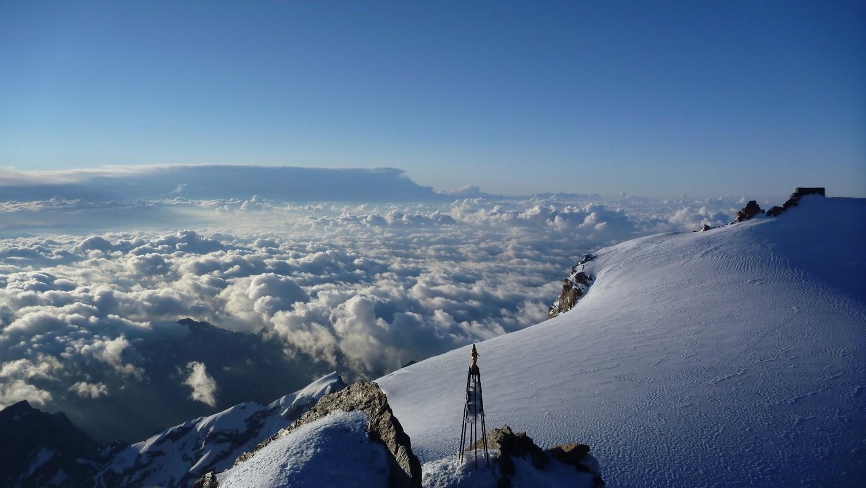 Lever de soleil au sommet du Mont Rose