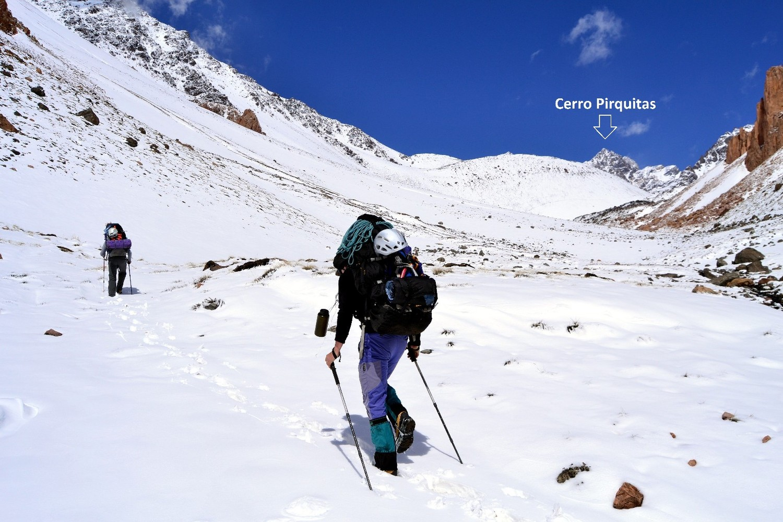 Aproximacion al Rinco Alpino. Cerro al fondo.
