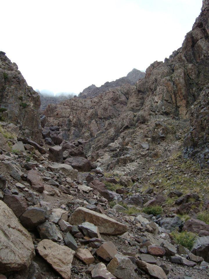 sentier jusqu'au Tizi n'Ouanoums