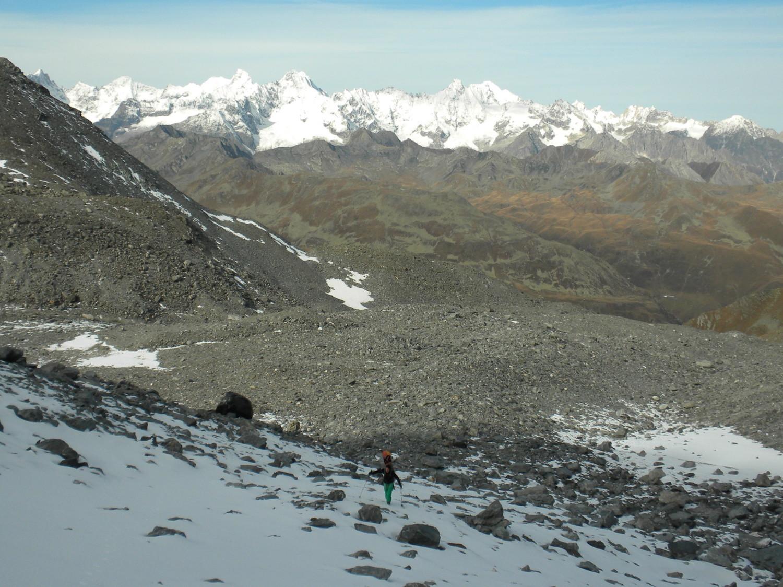 Enfin la neige!!!!! Derrière le massif du mont Blanc bien blanc