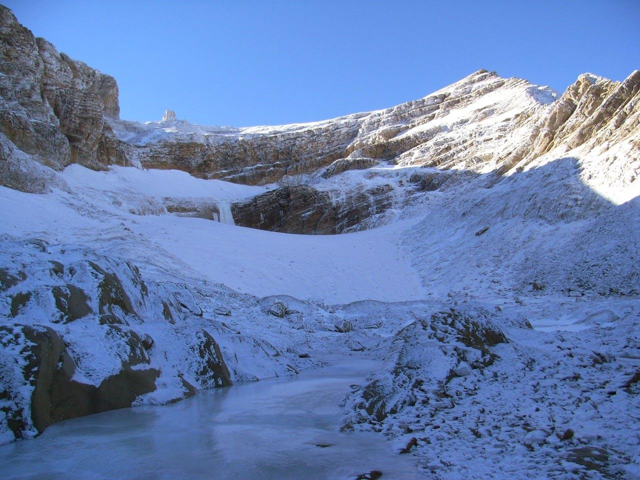 Le cirque du glacier du Taillon et ses cascades