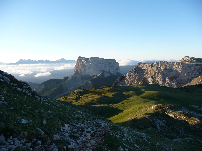 Lumière rasante sur le Mont Aiguille