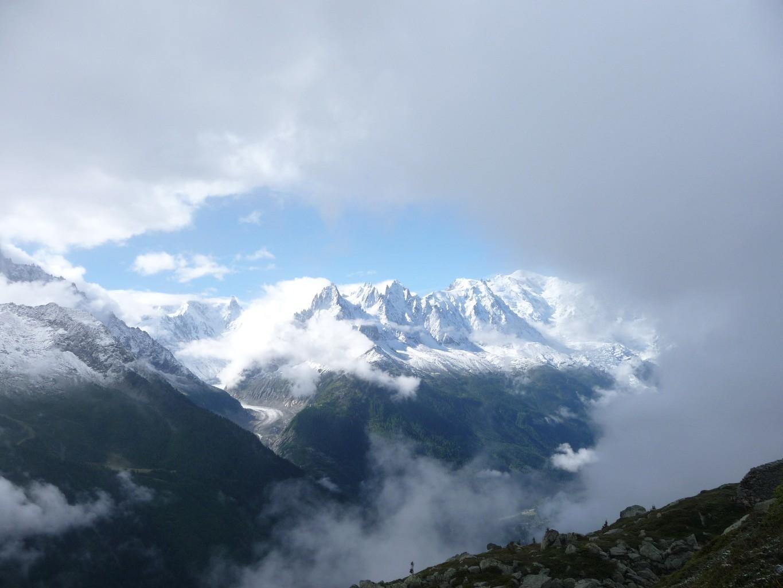 Fenêtre sur les aiguilles de Chamonix