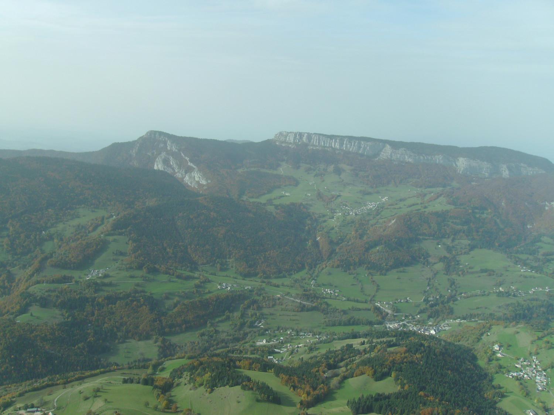 la Cochette à gauche, et le mont Outheran
