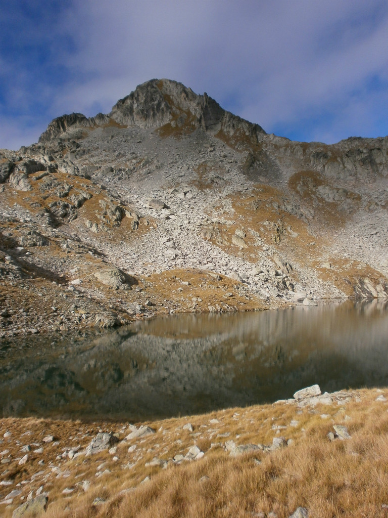 lac de Bassia et pic de Bernat-Barrau