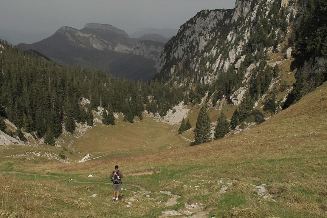 Loïc redescend vers le Col de Bovinant