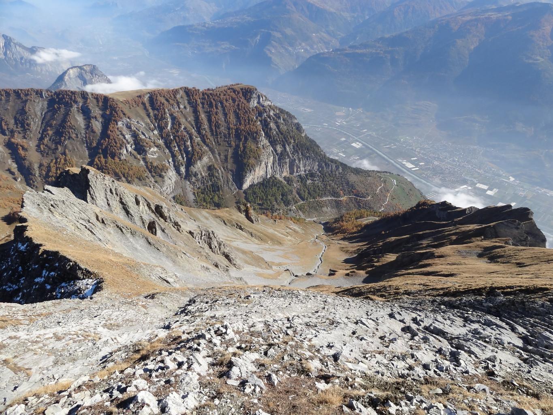 à l'approche du sommet (arête E à gauche)