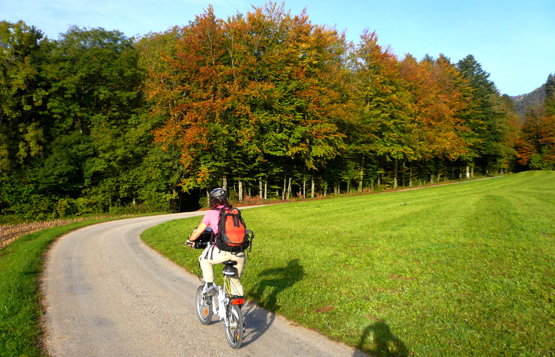 Approche à vélo de la Brüggligrat (Jura)