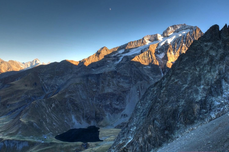 Lac et Tête de la Muzelle depuis le col du Vallon