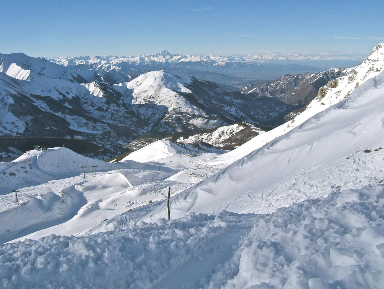 Descente bien tracé sur la station de ski de Limone.
