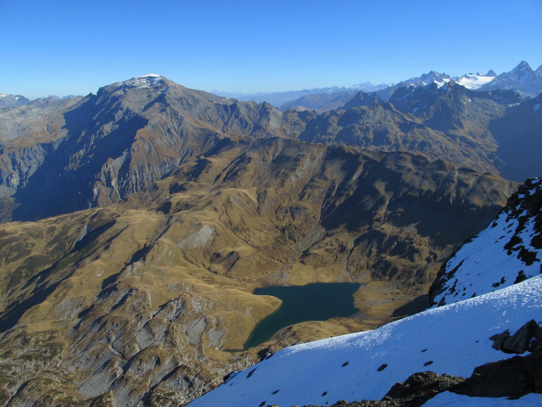 Plongée au-delà des Rochers des Fiz, directement dans le lac d'Anterne