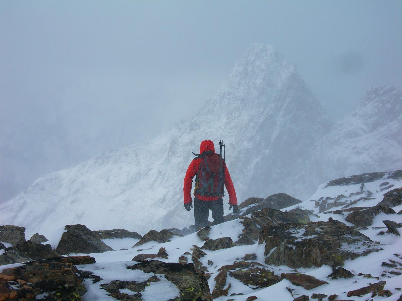 Demi-tour sur l'arête ouest à 3260 mètres