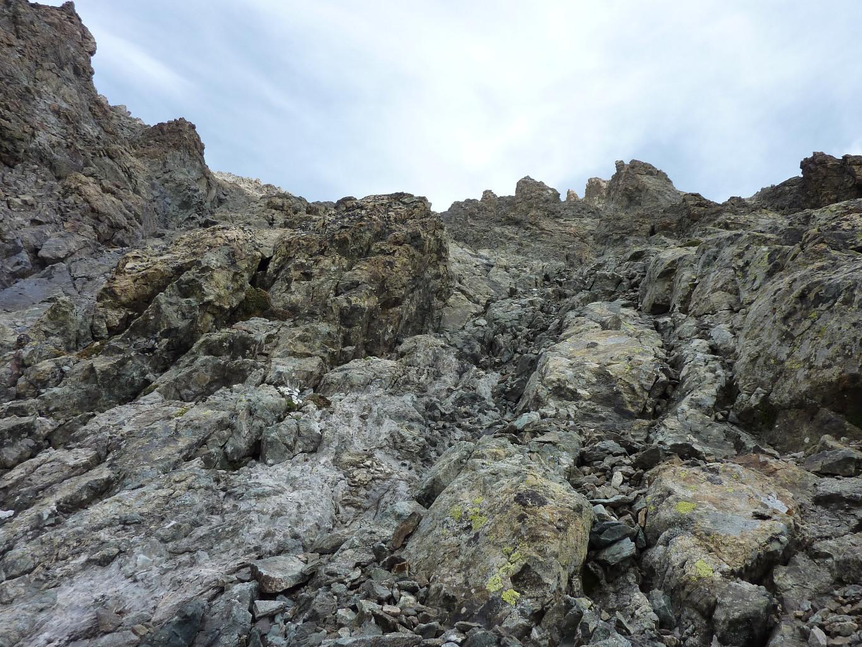 Dans les rochers rouge, un regard vers le haut