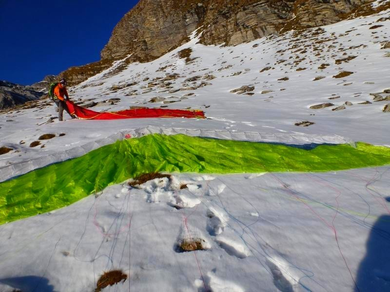 préparation des ailes dans la neige