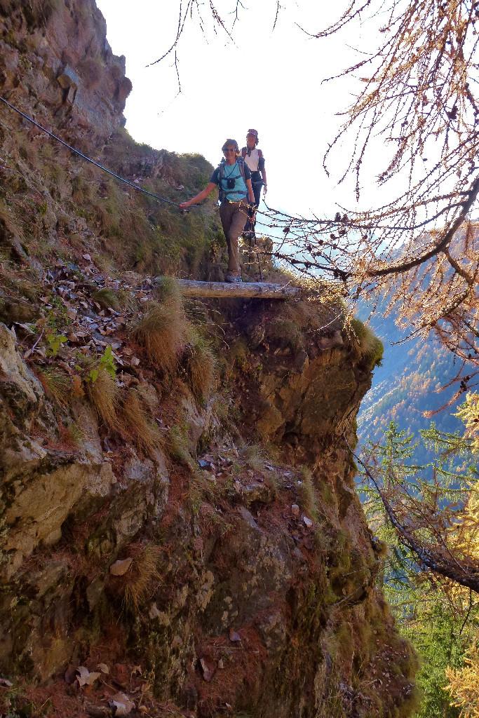 Imine, balade en rive gauche du Lotschental, escarpée...