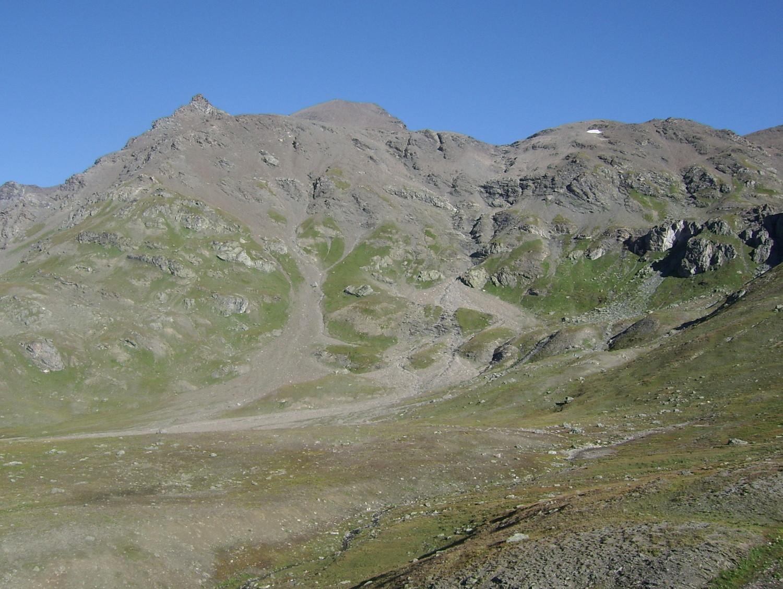 Le versant sud de la Sana