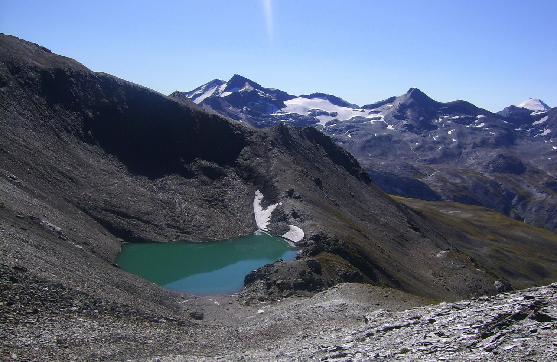 Un lac inexistant sur la carte, devant le groupe de Méan Martin