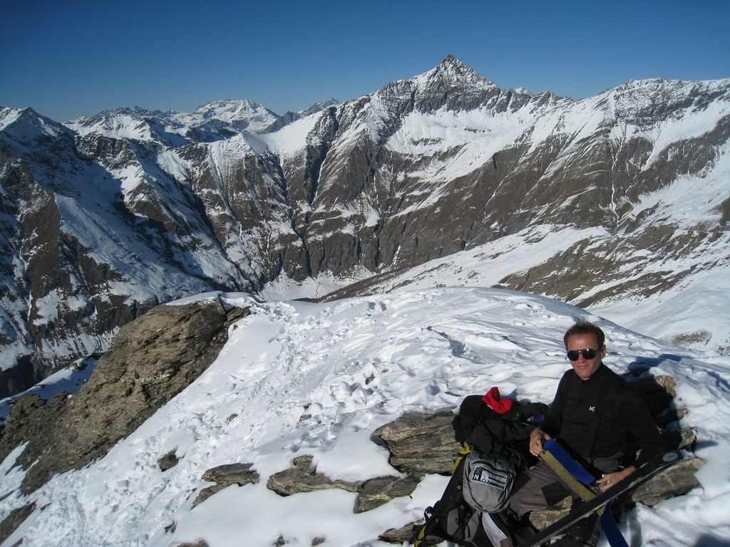 Au sommet de la Tête Pierre Muret, Aiguille de Scolette