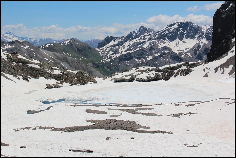 Retour au lac de l'Eychauda, encore gelé