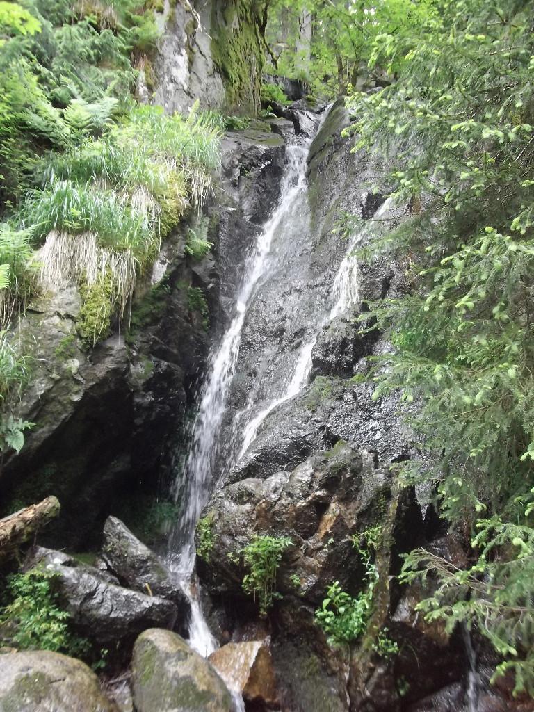 Cascade à la fin du Sentier des Roches