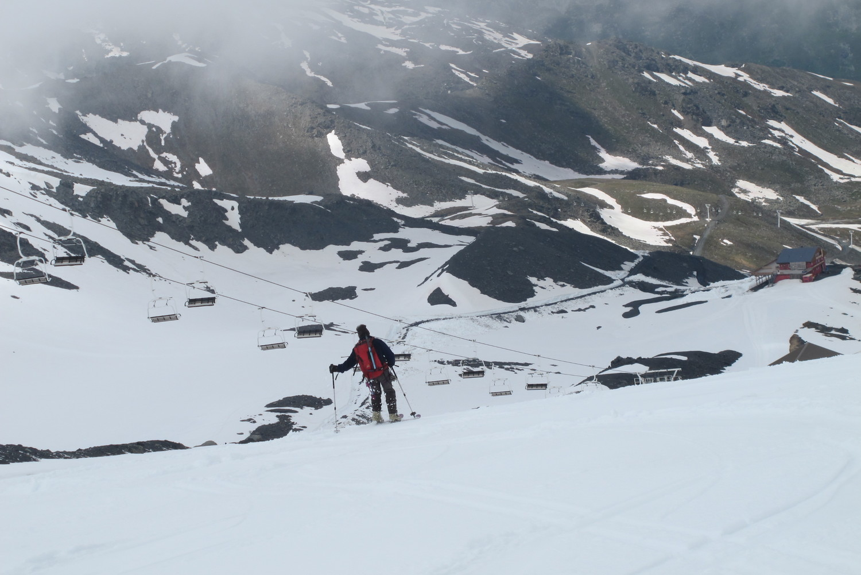 Skis jusqu'à la voiture