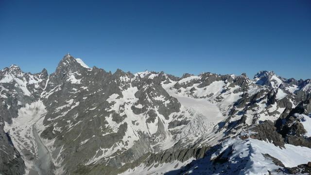 Pic du Rif, vu sur le glacier blanc.