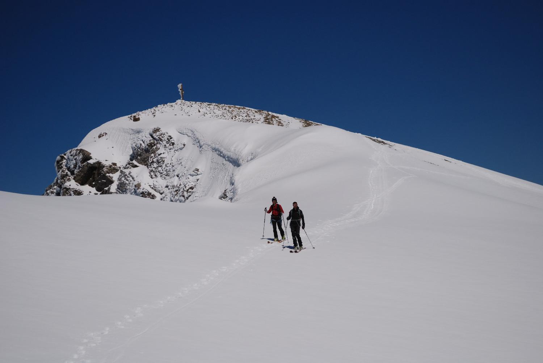 Il Mittl Gipfel 3243m al Wildstrubel  nel tratto di discesa verso la cima S