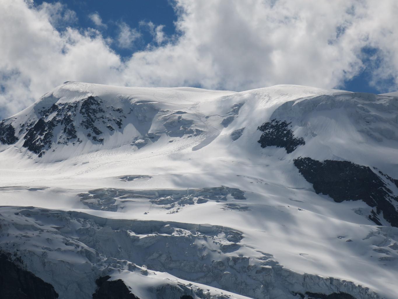Avalanche de plaque en été à l'Alphubel